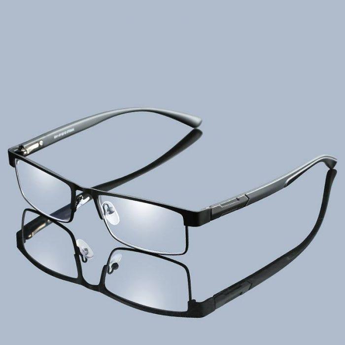 Non spherical Glasses
