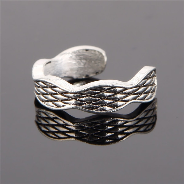 Unique Adjustable Carved Toe Ring